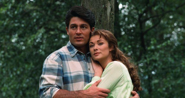 Leticia Calderon, beautiful, woman, lady, hair, eyes, wow, lady, esmeralda, telenovela, green, couple, love, Fernando Colunga