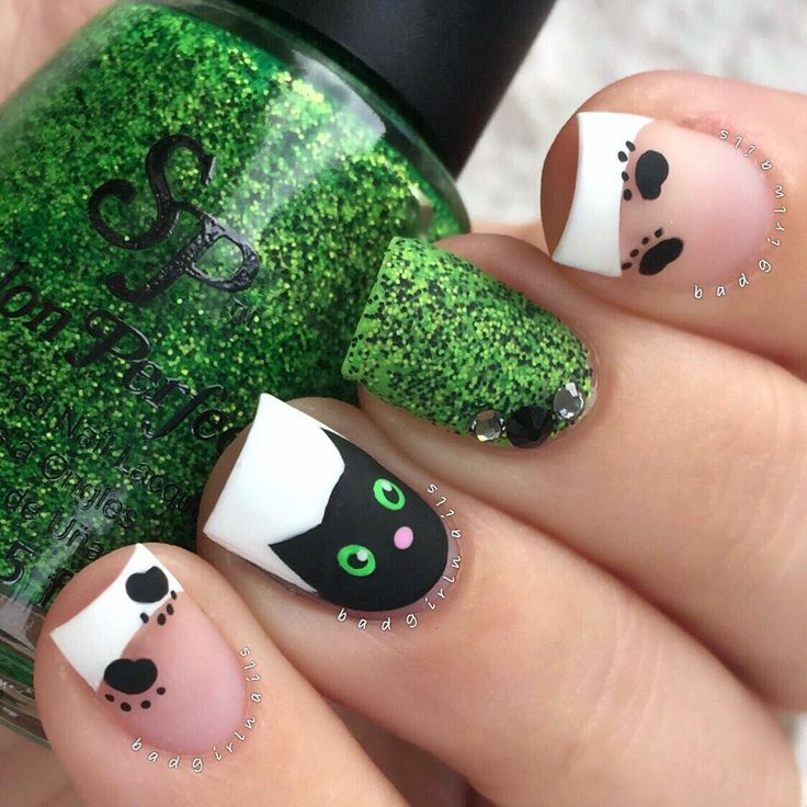 "Black cat nails featuring @salonperfect ""Wicked"" Tutorials coming soon"