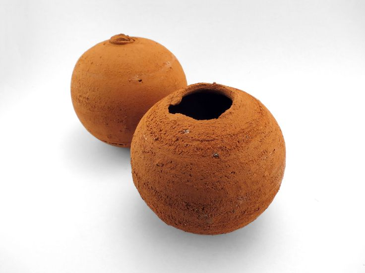 Whispering Globe Couple from the Wild Clay Series - Ildikó Károlyi #ceramics #raku #design