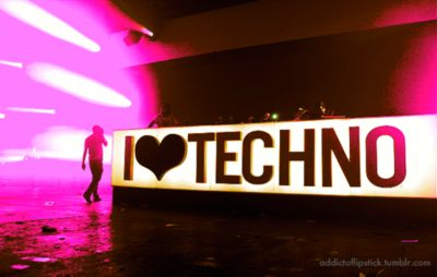 I heart techno