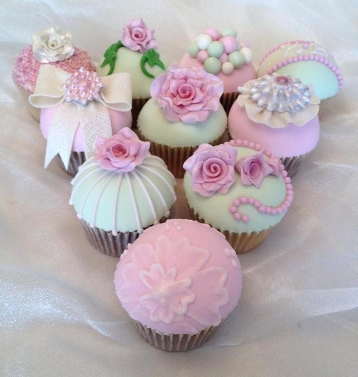 Pretty vintage wedding cupcake samples x