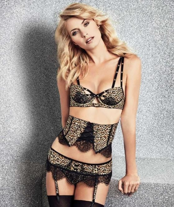 lena gercke in sexy weihnachts dessous lingerie models. Black Bedroom Furniture Sets. Home Design Ideas