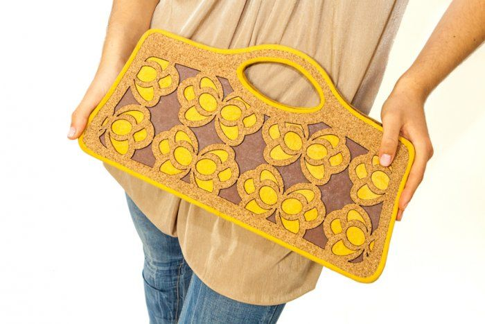 #Ecochic handbag Farfalle. The #bag is made with #recycled #cork and #paper, resistant and waterproof. Handmade in Italy.