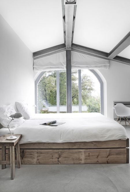 Love those gray beams and the wood of that bed platform for a Cape Cod interior design. www.sundriesfurniture.com