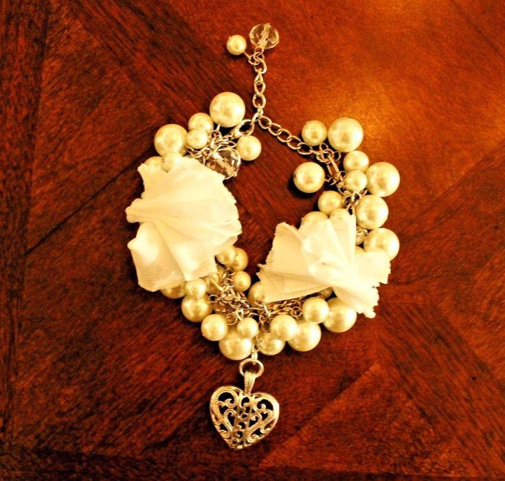 COOL! Sweetheart Bracelet handmade pearls white upcycle pendant beads silver #handmade #Beaded
