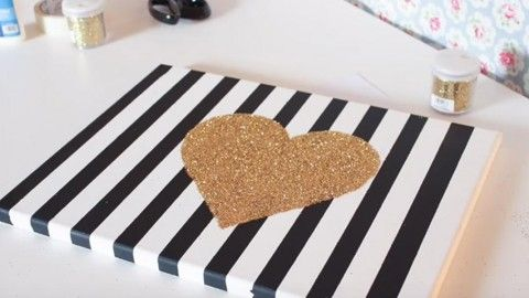Chic Striped Canvas & Sparkling Glitter Heart Is A Stylish Statement For The Wall! | DIY Joy Projects and Crafts Ideas