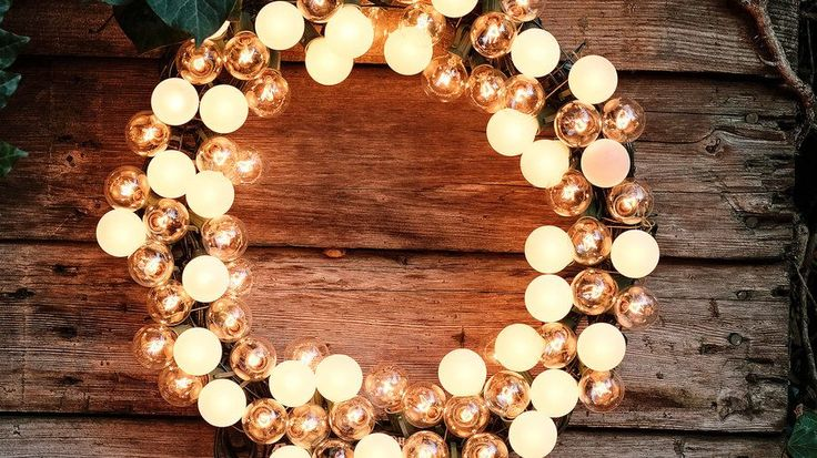 Electric wreath | Brilliant ways to amp up your yard or porch for the holidays