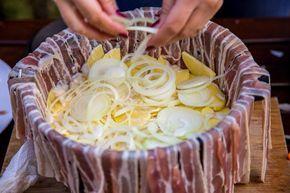 Bacon-Kartoffelauflauf aus dem Dutch-Oven Outdoor Kitchen Rezept Dutch Oven 04
