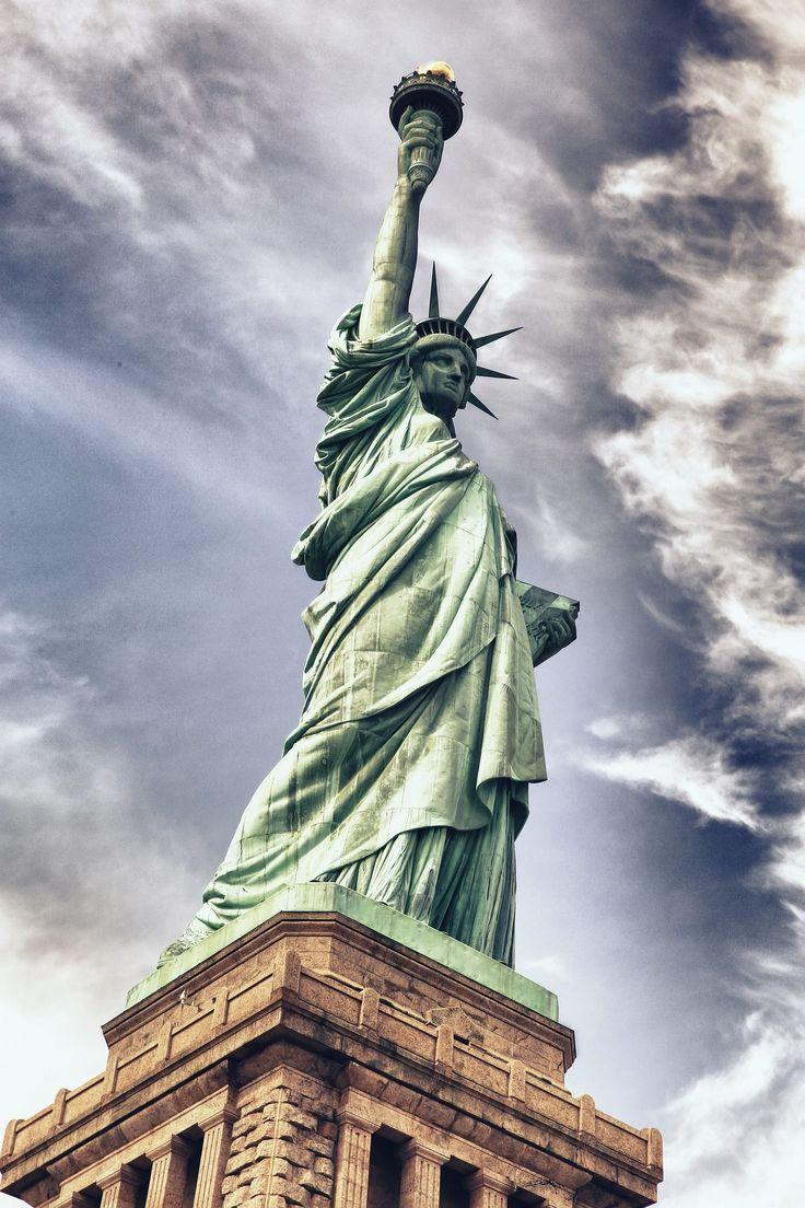 #TalDíaComoHoy, 17 de junio, de 1886, la #EstatuaDeLaLibertad llega a #NuevaYork…