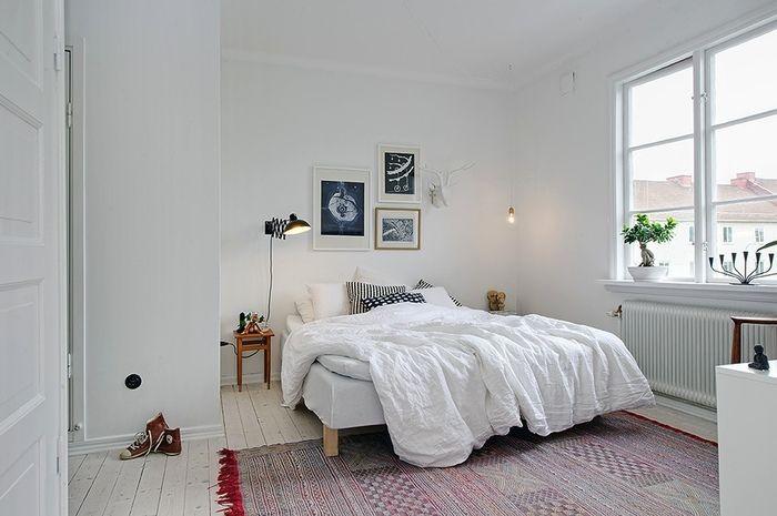 置きたくなるのは、やっぱりベッド。 大きな家具を中心にしたお部屋づくりを。