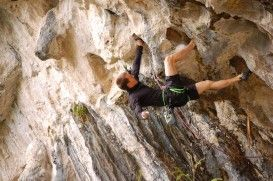 The wicked rock formations, the steep trails and the rising up to 150 feet (45.72 meters) make Lake Havasu, California, a hot spot for rock climbers. To know more visit: http://www.xtremespots.com/tag/usa-california/rock-climbing/