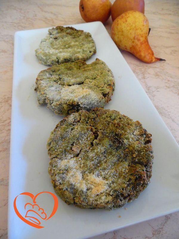 Hamburger di maiale e cavolo nero http://www.cuocaperpassione.it/ricetta/79361f4c-9f72-6375-b10c-ff0000780917/Hamburger_di_maiale_e_cavolo_nero