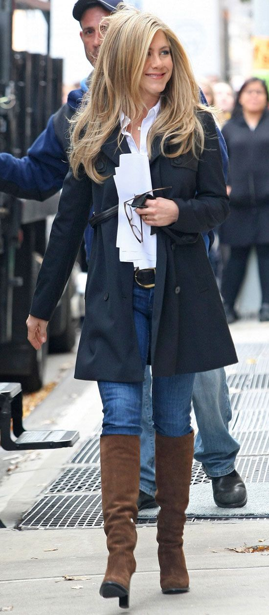 Pictures of Jennifer Aniston on the Set of Wanderlust in NYC | POPSUGAR Celebrity
