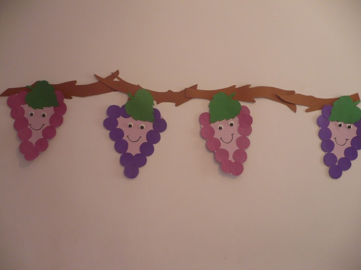 Maro's kindergarten: Smiling grapes!