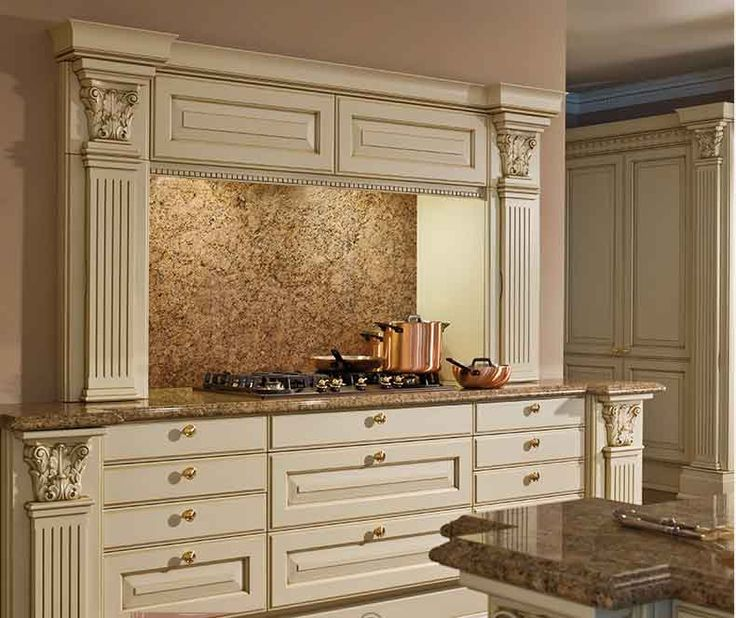 fabricant meuble de cuisine italien cuisine laque rouge brillant et plans de travail blanc et. Black Bedroom Furniture Sets. Home Design Ideas