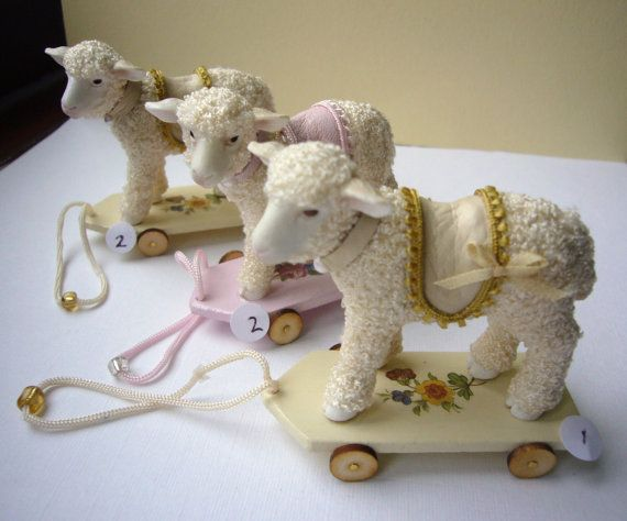 Dollhouse toys, 12th scale, pull along lambs. Dollshouse nursery toys one inch…