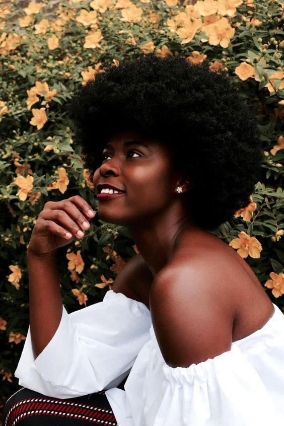 @simplycomfort || Afro hair. natural hair. kinky hair. brown skin. natural beatuy.