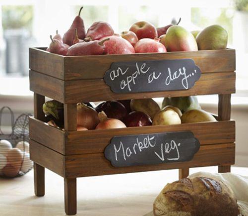 Reciclando cajas de madera para convertirlas en frutero