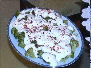 Yoğurtlu Brokoli Salatası Tarifi - Resimli Kolay Yemek Tarifleri