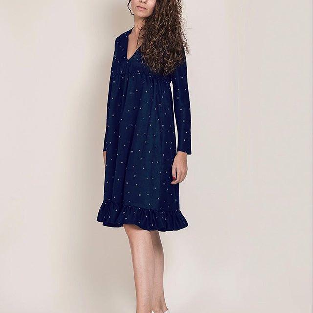 Le vendredi aussi c'est plumetis en Robe #Nots #Fionavani ! . ... Retrouvez nos Robes Nots en quantité limitée sur Fionavani.fr . ... #Fionavani #fashion #frenchbrand #frenchgirl #outfit #ootd #premium #womenswear #womenstyle #dots #dress #fall #style #fw17 #lookbook #fashionweek #mood #dots #plumetis #navydress #models #fashiondaily #dailylook #todayimwearing #brandnew #newin #eshop #shopping