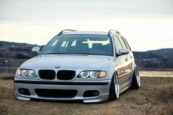 BMW E46 3 series Touring silver slammed