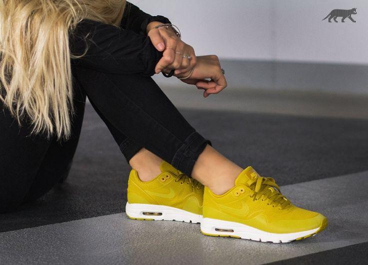 Nike Wmns Air Max 1 Ultra Moire (Dark Citron / Dark Citron - Bright Citron - Sail)