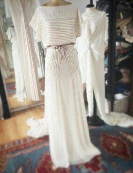 Elegantisimo estilo vintage, de García forcada  http://ideasparatuboda.wix.com/planeatuboda #weding #boda #mariage
