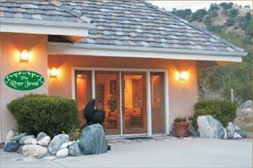 The River Jewel Suites - Sequoia National Park Lodging
