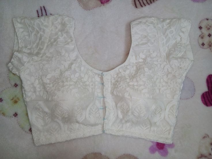 White tex blouse with cups