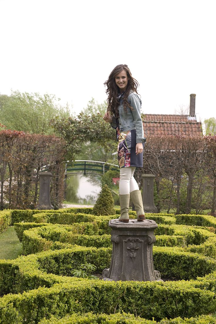 De Lisa Oliva zijn frisse olijf groene laarzen is een echte Spaanse klassieker. De hak van 3 cm hoog zorgt voor een prima draagcomfort de hele dag door. #Bootsandwoods