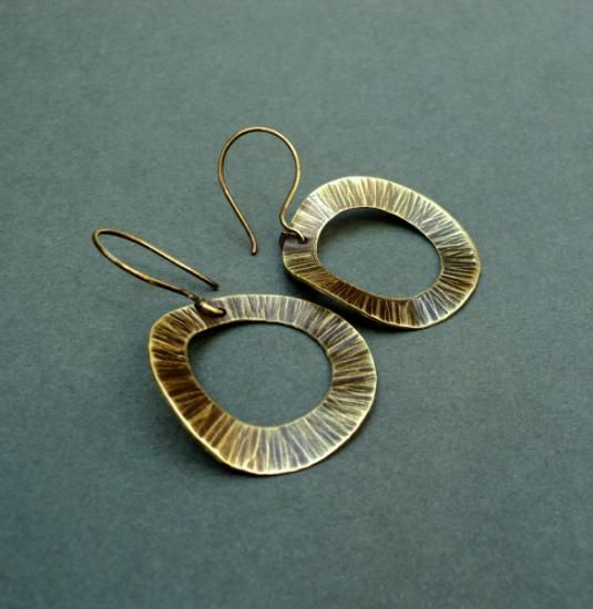 brass earrings handmade textured openwork brass welding  7.00€ [~$8.57]