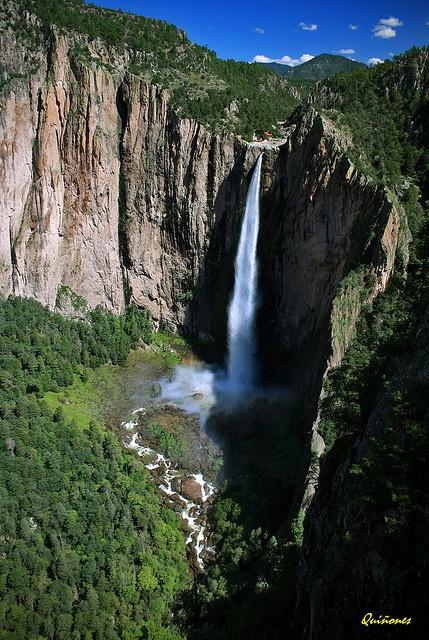Cascada de Basaseachic en Agosto, 246m de caida libre. Parque Nacional Cascada…