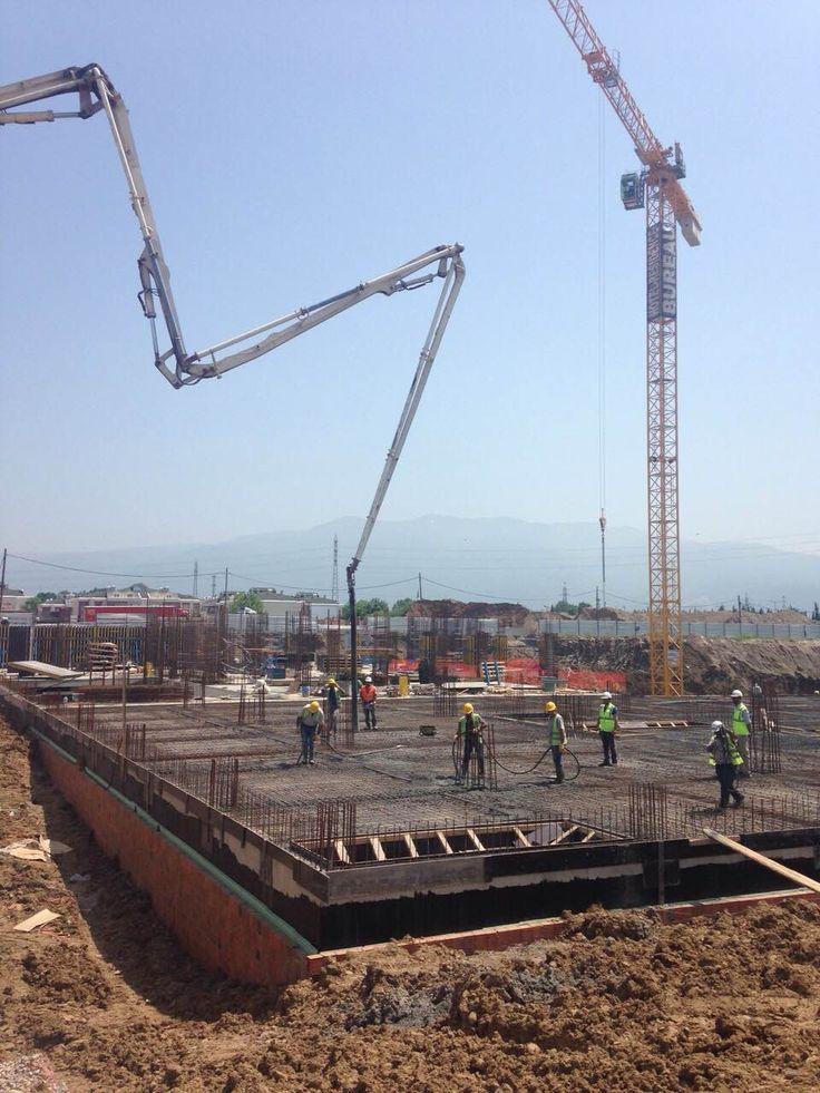 2.bodrum döşeme betonu dökümü devam etmektedir.