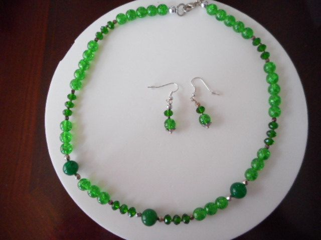 Collar en gemas, Collar verde, Collar en Druk beads, Collar para mujer, Collar y aretes, collar, Necklace de PekitasCreations en Etsy