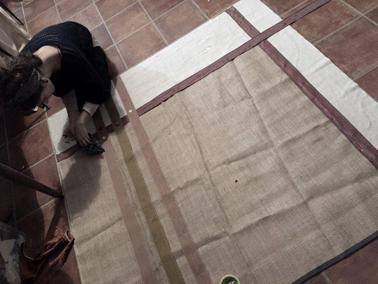 Creaturas - carpet, tappeto in juta e panno di recupero.