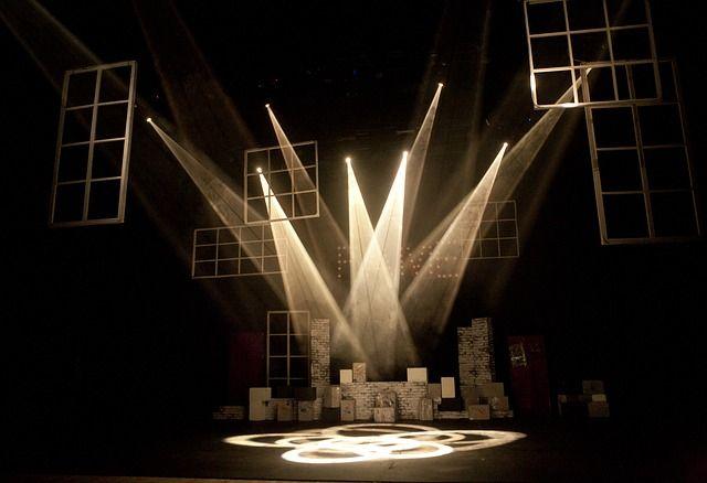 연극무대, 빛, 조명
