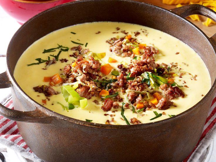 Wohlfühlessen für große Runden: Mit einer Hackfleischsuppe machst du nie etwas falsch. Die besten Rezepte, von Chili con carne bis Käse-Lauch-Suppe!