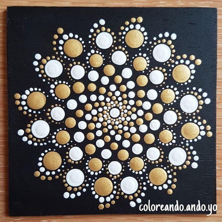Mandala en madera pintado por coloreando.ando.yo