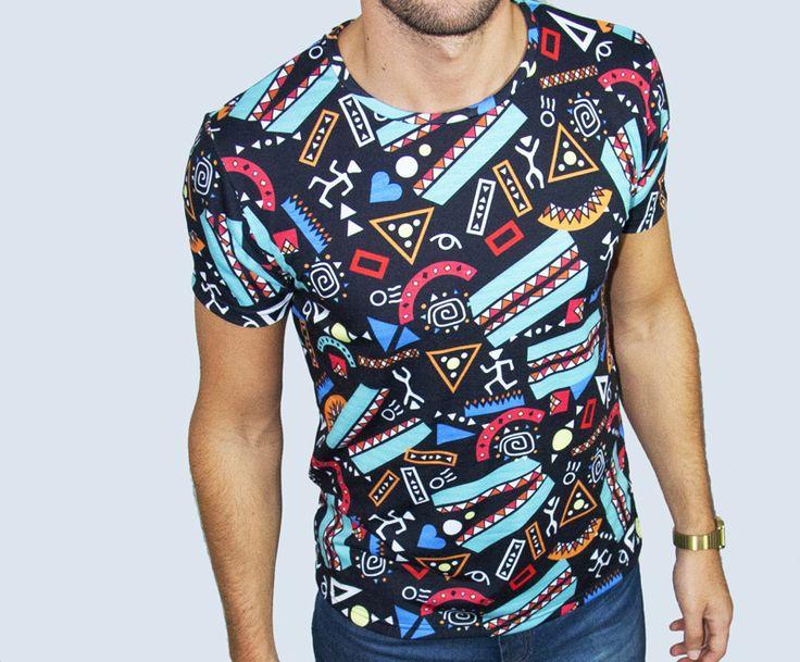 Remera para hombre con estampado ilustrado Mayan carnivale - Usá el hashtag #MiTiendaNube cuando pinees tu productos desde tu tienda para que podamos destacarlo en nuestra cuenta de Pinterest.