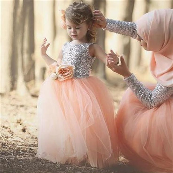 Like and Share if you want this  Lovely Flower Girls' Dresses Silver Sequins Bling Top Puffy Tulle Skirt Princess Wedding Party Gowns for Kids with Flowers HT155     Tag a friend who would love this!     FREE Shipping Worldwide     Buy one here---> http://onlineshopping.fashiongarments.biz/products/lovely-flower-girls-dresses-silver-sequins-bling-top-puffy-tulle-skirt-princess-wedding-party-gowns-for-kids-with-flowers-ht155/
