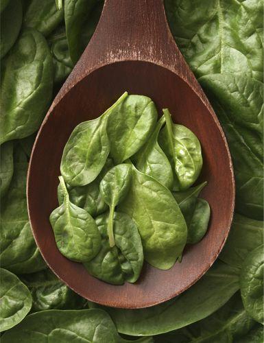 Dark green vegetables  Rev up collagen production: Rich in vitamin C, dark green vegetables like spinach and kale can rev up collagen produc...