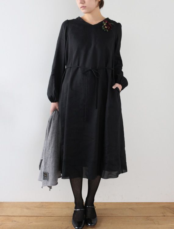 Diane - CLOTHINGDresses - Envelope is a unique online shopping mall made up of a few independent shops from all around Japan.