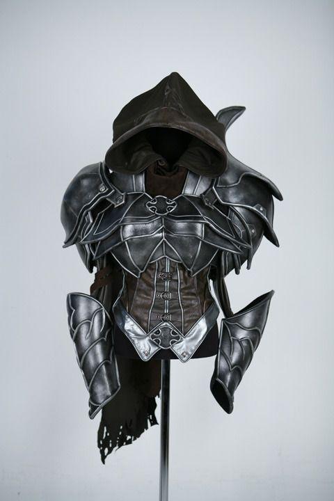 Demon Hunter cosplay by Spiral Cats (Diablo 3)