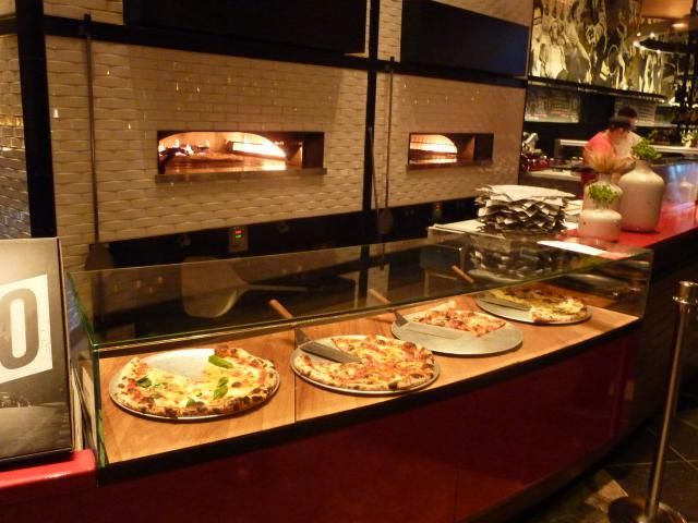 30 Must Do Las Vegas Restaurants: Five 50 Pizza Bar at Aria Las Vegas