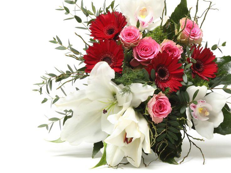 Lenyűgöző vegyes virágcsokor    #flowers#bouquet#viragszoro#viragszoroviragkuldes#lily#rose#rorchid#gerbera