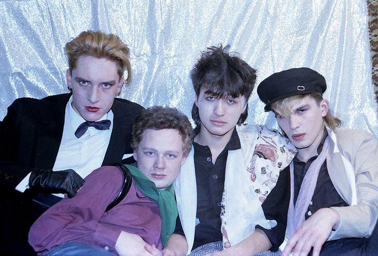 """Участники рок-группы """"Кино"""" Георгий Гурьянов, Александр Титов, Виктор Цой и Юрий Каспарян (слева направо)."""