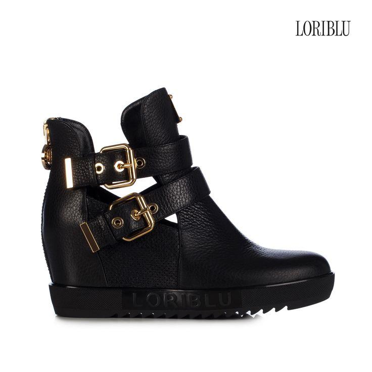 Black wedge deer leather sneaker, for your very original seasonal look, glam and comfortable.
