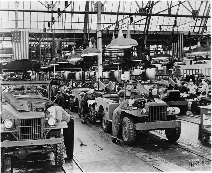 Assembly lines at the Dodge truck plant on Mound Road in ...
