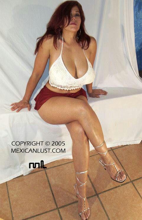 Latina big round ass