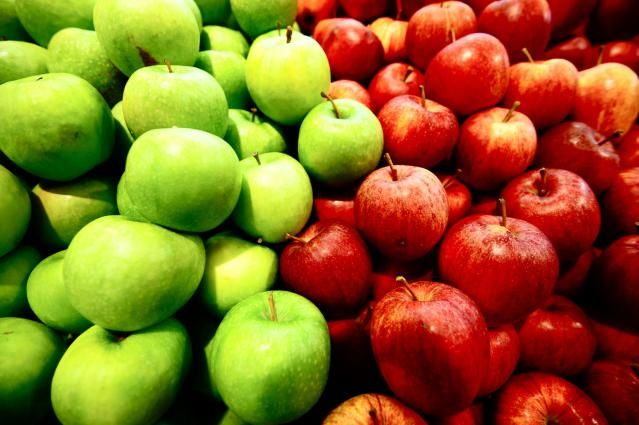 11 Tasty Foods that Reduce Your Dementia Risk: Apples